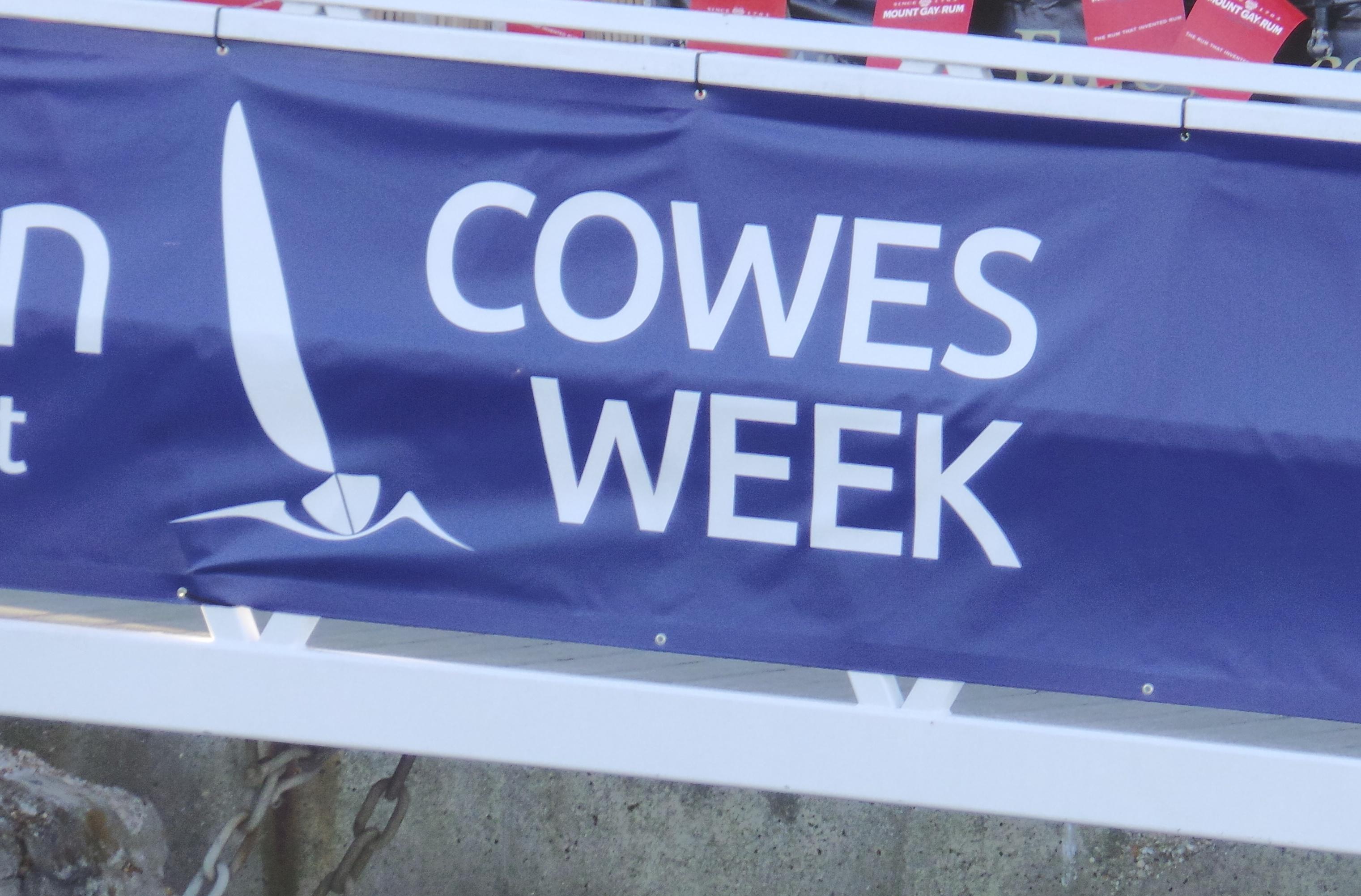 cowes week yacht race regatta