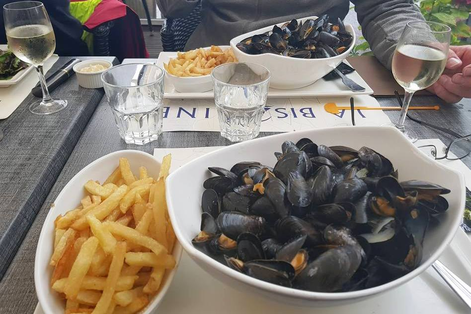 Moules Frites in St Vaast