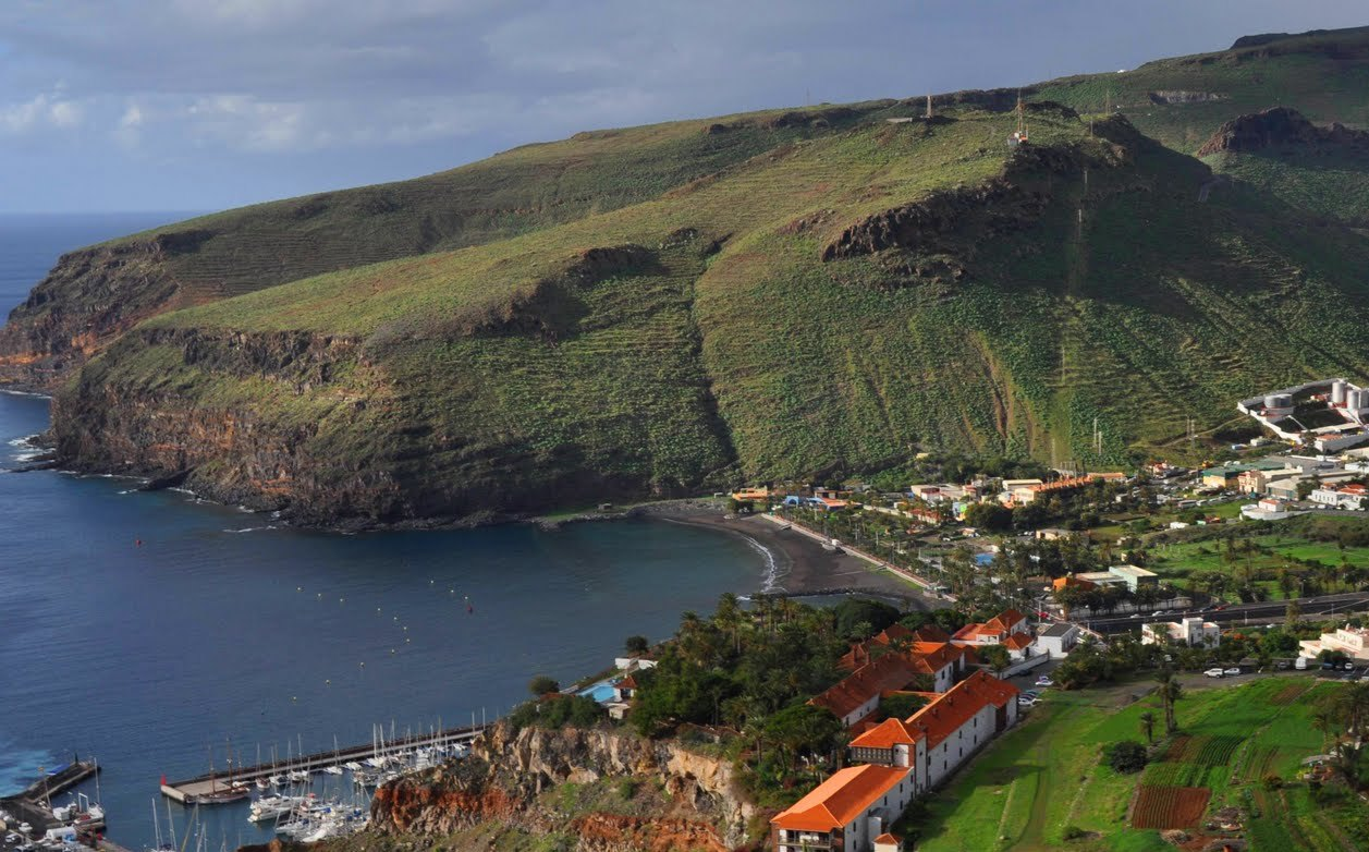 canaries yacht charter